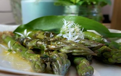 Steamed Asparagus with Wild Garlic Butter